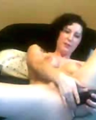 Horny Chick Pleasing Both Of Her Holes