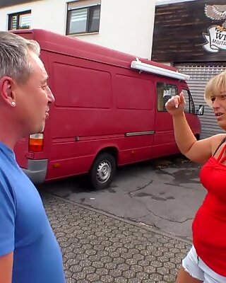 Deutschland Report - Gorgeous Granny Cunt Fucks A Horny Guy - AmateurEuro