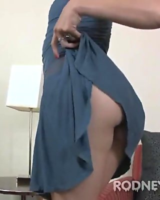 Kitty McMuffin Big Bush Pussy Hairy Legs and Armpits