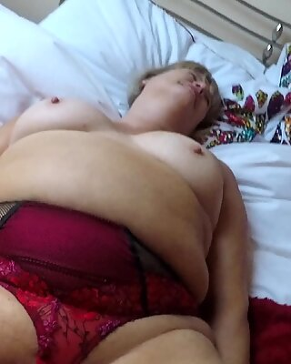BBW Pussy Licking and Vibrator Play