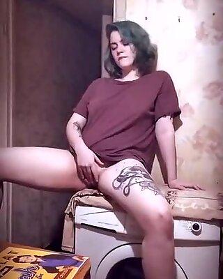 Pussy humping on the washing machine