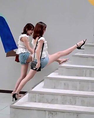 Κινέζα σέξι εμφάνιση του tik tok, χορός sxey hot
