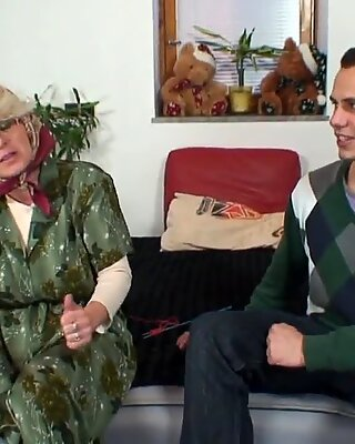 Lonely old grandma pleases an young guy