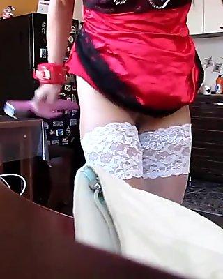Maid Uses Dildo - Dirtyyycams.com