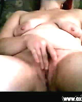 Solo webcam fingering her tight cunt