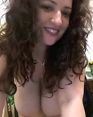 Aliciasforms huge tits on cam